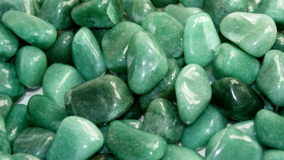 Find Good Luck Stone : Green aventurine meaning cauldrons and cupcakes