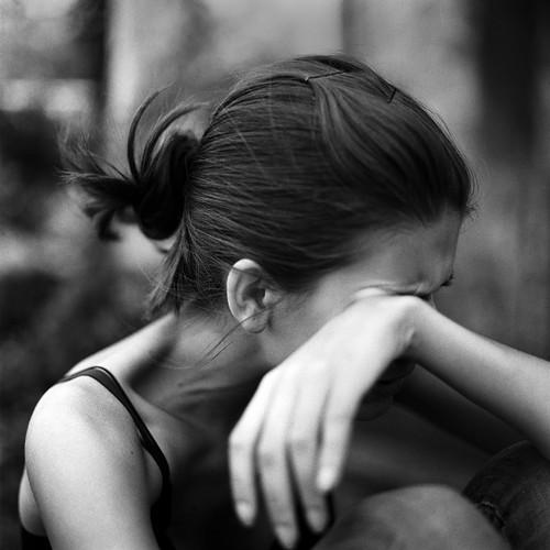 Girl Crying - Image from www.lovewayz.com