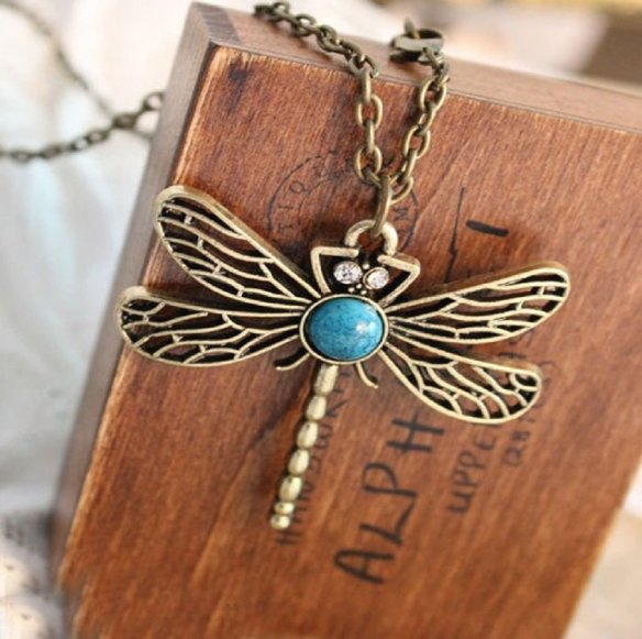 vintage-bronze-dragonfly-necklace